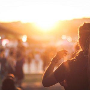 girl-ponytail-sunset